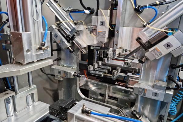 Centro de Corte y Mecanizado para PVC SC-231 de Artikon en Ventytec